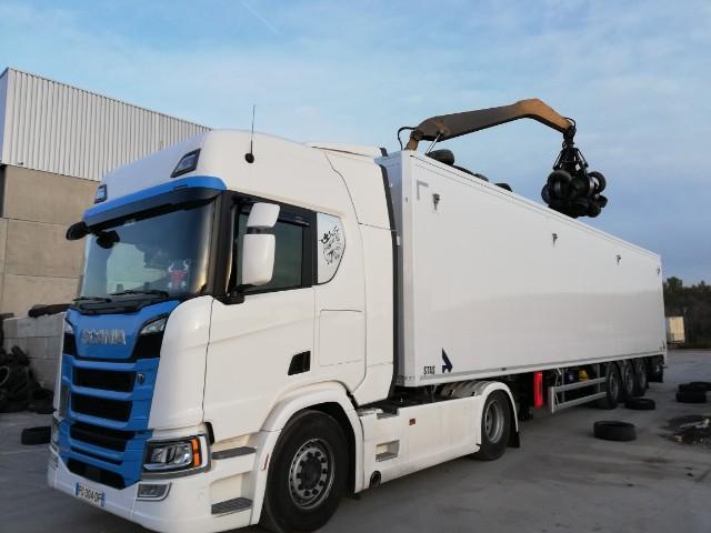 Provence Distribution Logistique livraison avec benne à fond mouvant vrac
