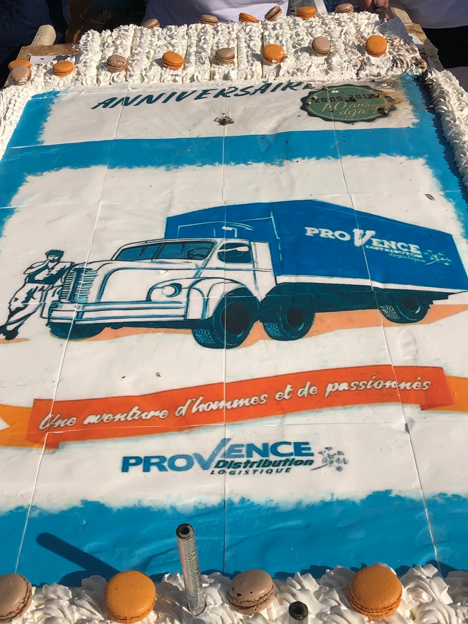 Provence Distribution Logistique gateau anniversaire 10 ans